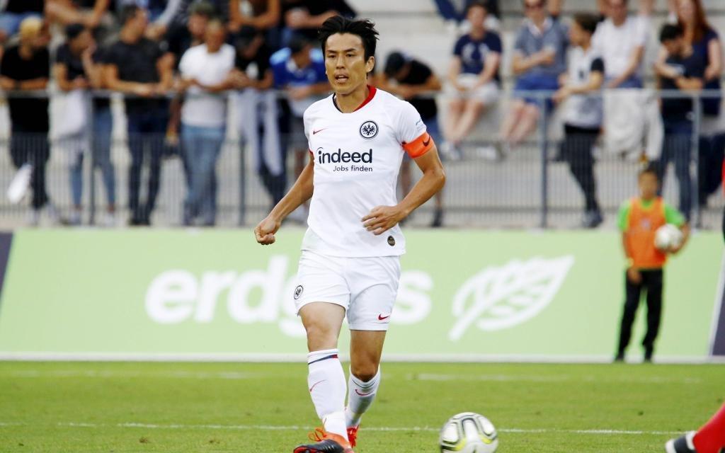 Uhrencup Fussball Herren Testspiel Saison 2019/2020 FC Luzern - Eintracht Frankfurt .Im Bild : Makato Hasebe (Eintracht)