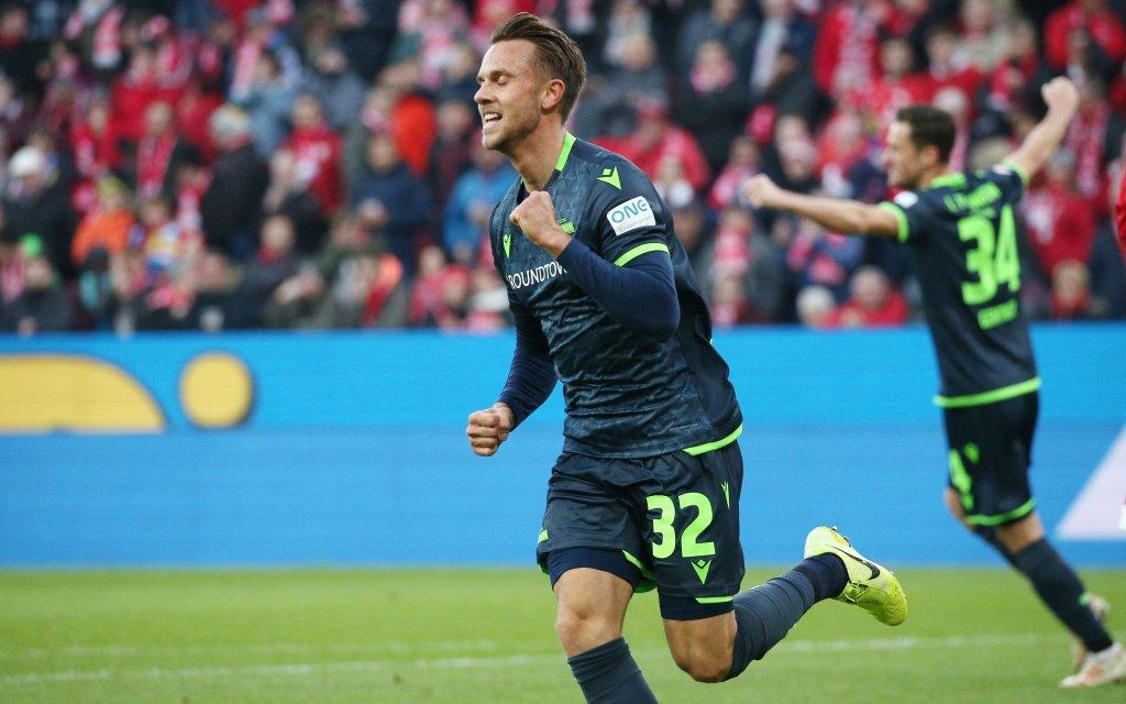 Marcus Ingvertsen 32, Union Berlin erzielt das 1-0 füer Union Berlin gegen Mainz.