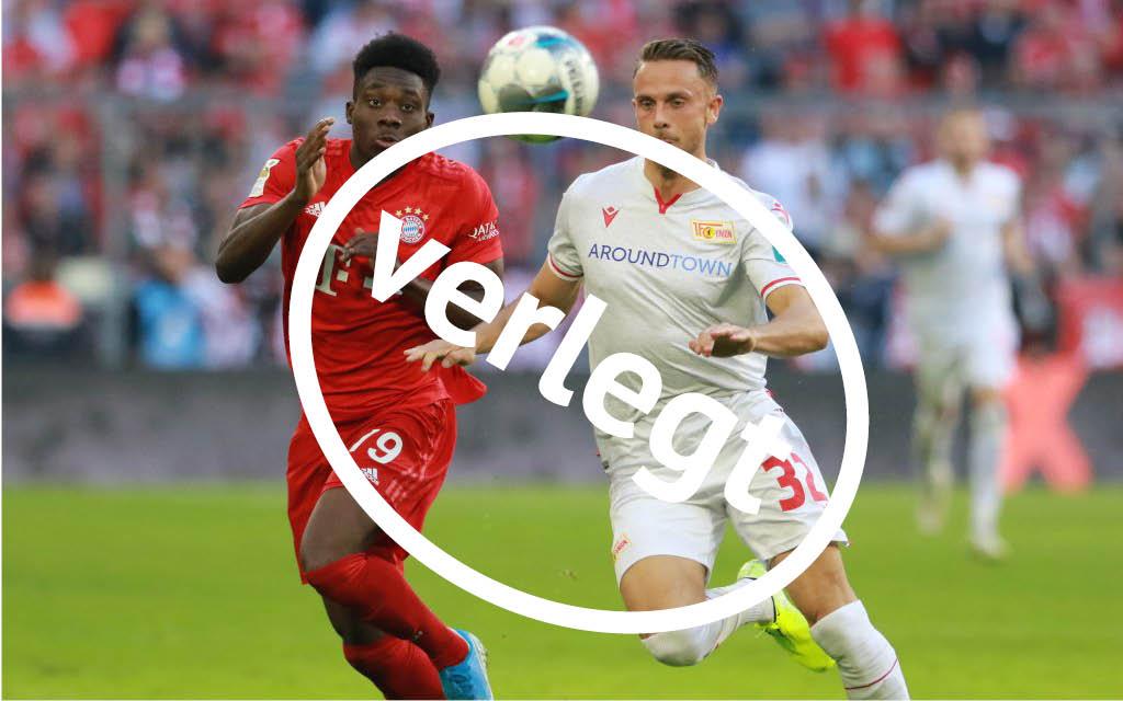 Alphonso Davies (l.) FC Bayern München gegen Christopher Lenz 1. FC Union Berlin