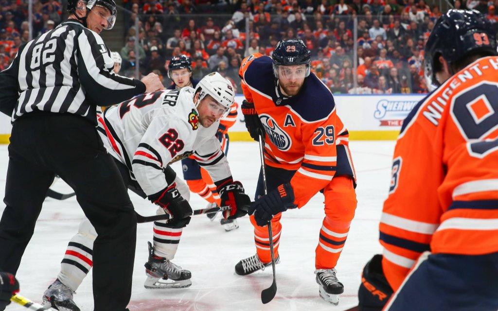 NHL Topscorer Leon Draisaitl trifft beim Re-Start mit den Edmonton Oilers auf die Chicago Blackhawks.