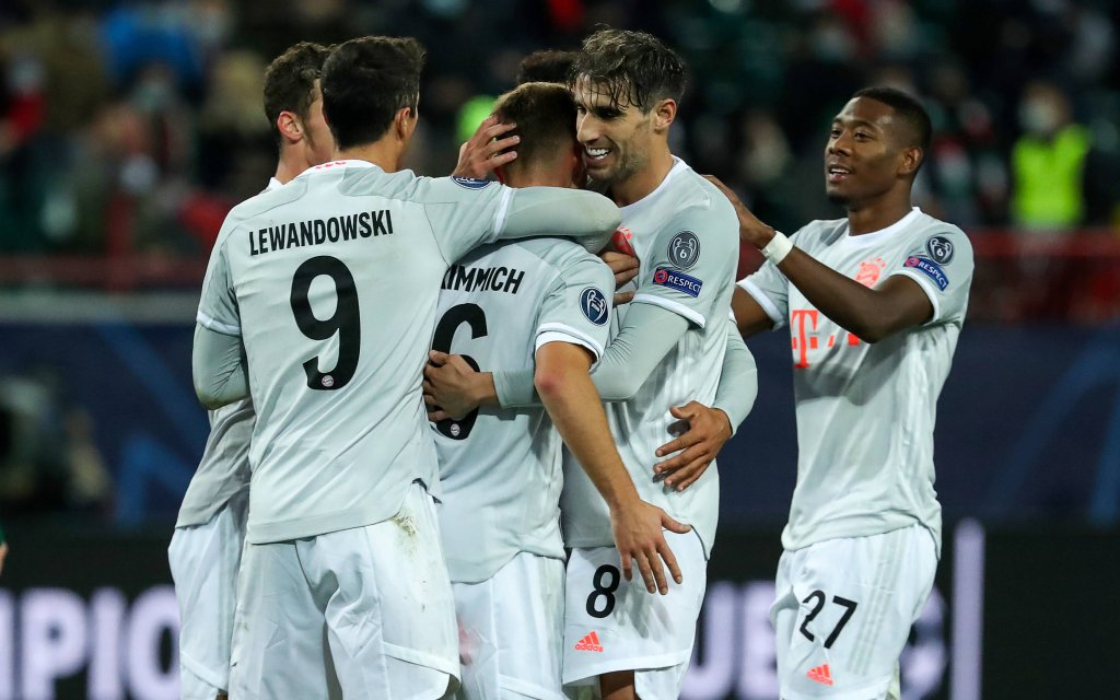 Sport Bilder des Tages MOSCOW, RUSSIA OCTOBER 27, 2020: Bayern Munich players celebrate a goal scored against Lokomotiv Moscow in their 2020/21 UEFA Champions League Group A Round 2 football match at RZD Arena.