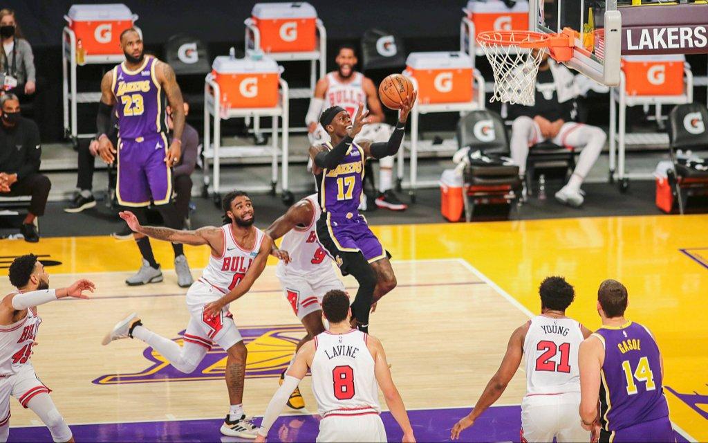 Lakers-Neuzugang Schröder (M.) im Spiel gegen Chicago