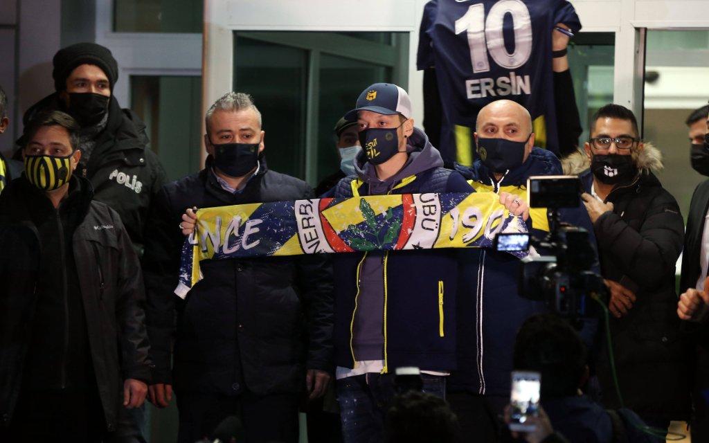 Wieder alles süper: Mesut Özil wechselt zu Fenerbahce