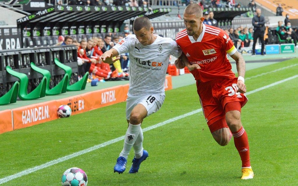 Borussia Mönchengladbach 1. Bundesliga , Saison 2020 - 2021 2.Spieltag Borussia Mönchengladbach gegen Union Berlin 1 - 1 am 26.09.2020 im Borussia-Park hier Stefan Lainer , Robert Andrich