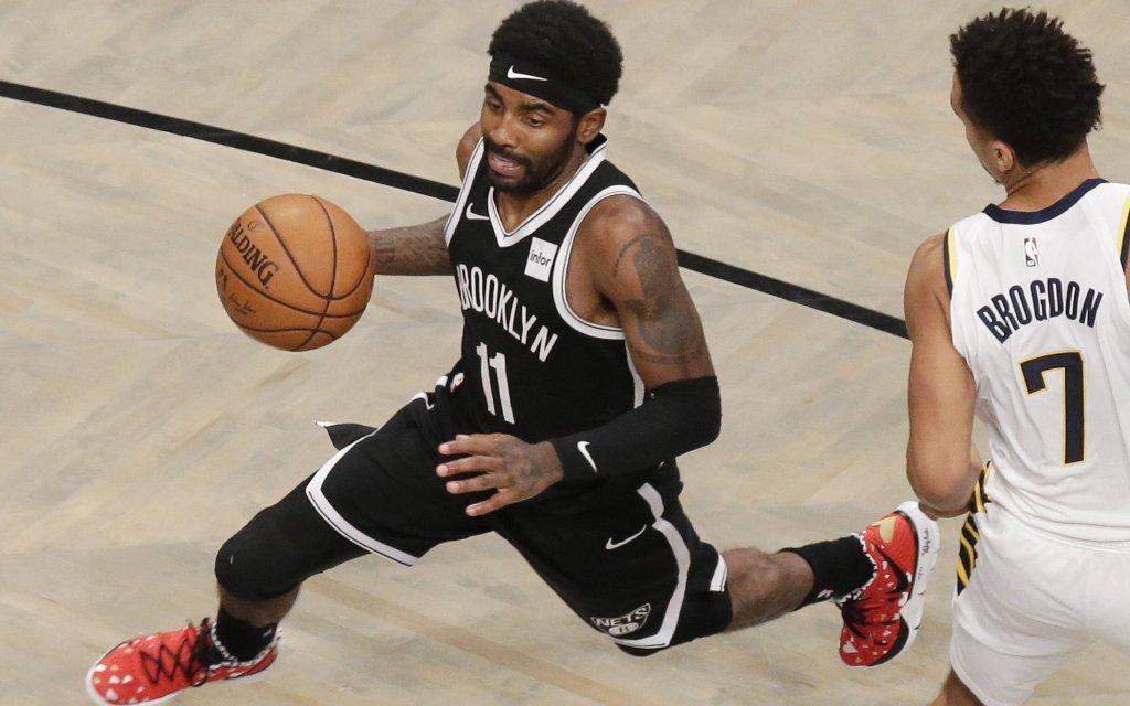 Spielmacher Irving (l.) ist einer von drei Superstars bei den Brooklyn Nets
