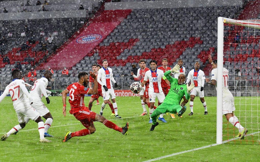 Bayern Muenchen gegen Paris St. Germain 2-3 am 07.04.2021 in Muenchen Torchance Eric Maxim Choupo-Moting Bayern Muenchen