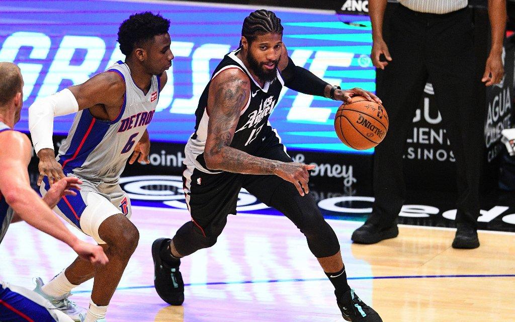 All-Star George (r.) im Spiel gegen die Pistons