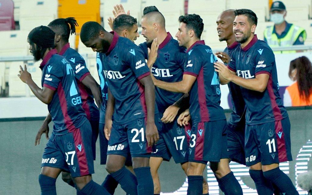Trabzonspor players celebrates for Marek Hamsik s goal during the Turkish Super League football match between Yeni Malatyaspor and Trabzonspor at Yeni Malatya Stadium in Malatya