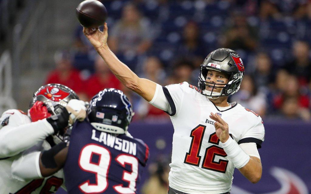 Tom Brady will mit den Buccaneers erneut um den Super Bowl mitspielen.